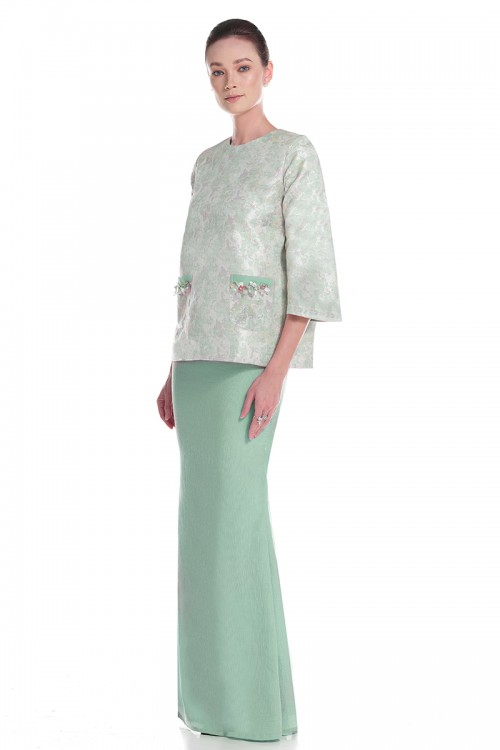 Angle Kurung in Green
