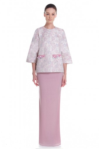 Angel Kurung in Dusty Pink