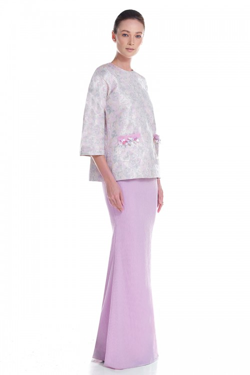 Angle Kurung in Purple