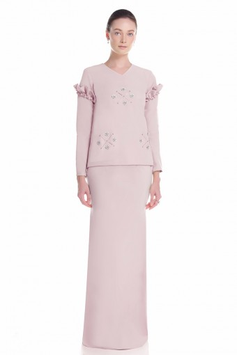 Asella Kurung in Dusty Pink