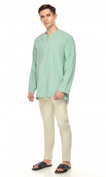 Demir Kurta in Dusty Green