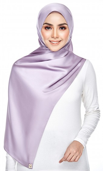 Dailyn Shawl ( Satin Crepe ) in Dusty Purple