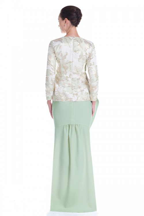 Elvia Kurung in Green