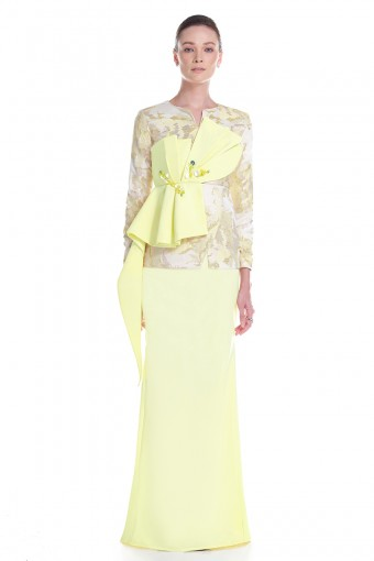 Elvia Kurung in Yellow