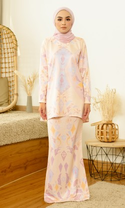 Frechia Kurung in Cream