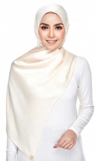 Dailyn Shawl ( Satin Crepe ) in Light Beige