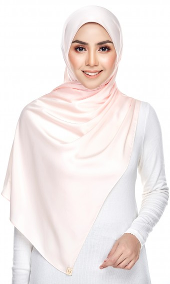 Grecia Shawl ( Soft Satin ) in Light Peach