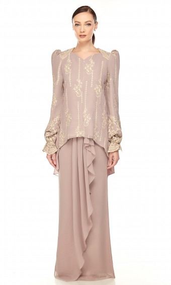 Nelsaa Kurung in Milo Brown