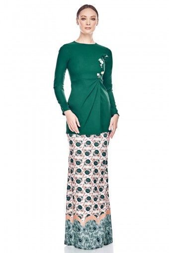 Savina Kurung in Emerald Green