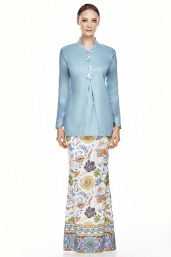 Seenara Kurung in Dusty Blue