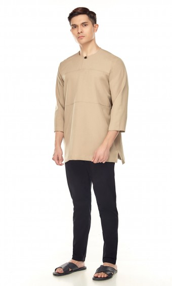 Uthman Kurta in Brown