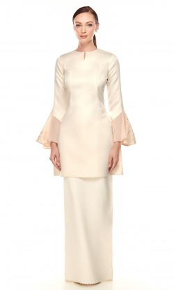 Victoria Kurung in Cream