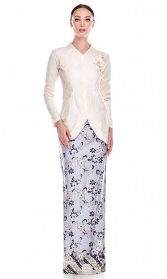 Wulan Kurung in Soft Yellow