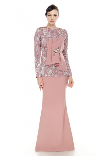 Mythea Kurung in Dusty Pink