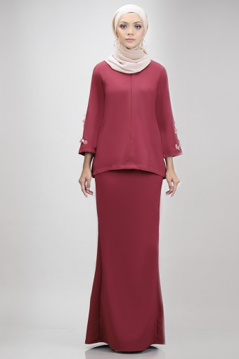 Edith Kurung in Maroon