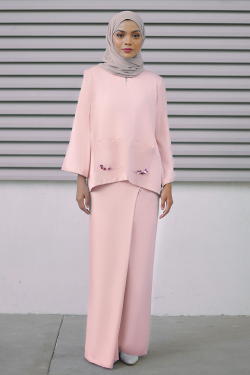 Lauryn Kurung in Light Pink