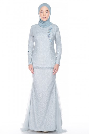 Harida Brides in Dusty Blue